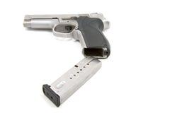 Compartimiento que es cargado en la arma de mano Fotos de archivo