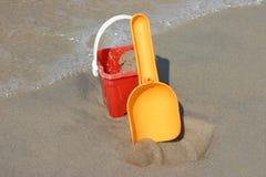 Compartimiento y pala del juguete Imagen de archivo libre de regalías