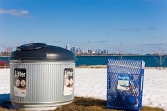 Compartimientos de la basura y de reciclaje Imagen de archivo libre de regalías