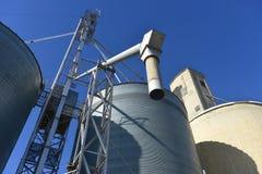 Compartimientos del elevador de grano diagonales en Washington central Fotografía de archivo