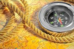 Compas au-dessus de carte Photo libre de droits