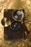 compas de livre vieux Photographie stock libre de droits