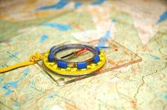 Compas et carte Photo stock