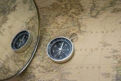 Compas et carte Image stock