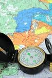 Compas et carte de Lensatic Photographie stock
