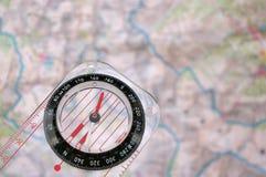 Compas sur une carte photographie stock