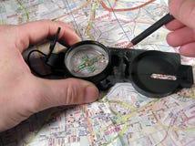 Compas und Karte Lizenzfreie Stockfotos