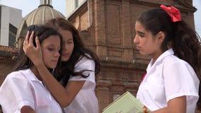 Compasión para la muchacha adolescente triste almacen de video
