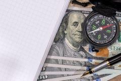 Compass на США 100 долларов с примечанием, ручкой Стоковые Изображения