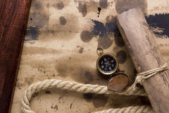 Compass and rope Royalty Free Stock Images