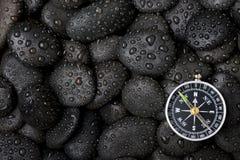Compasso com rocha Fotografia de Stock