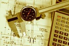 Compasso de calibre e calculadora de Grunge Foto de Stock