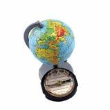 Compasso e globo em um fundo branco Ilustração Royalty Free