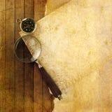 Compasso e magnifier foto de stock royalty free