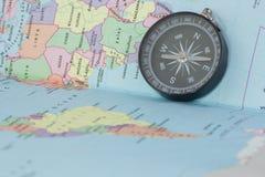 Compasso e mapa Imagens de Stock Royalty Free