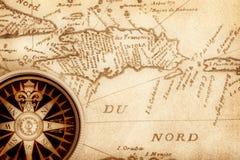 Compasso no mapa velho Imagem de Stock Royalty Free
