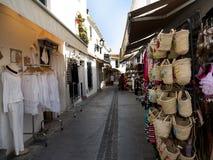 Comperando a Mijas una di villaggi 'bianchi' più bei dell'area del sud della Spagna ha chiamato Andalusia Fotografia Stock