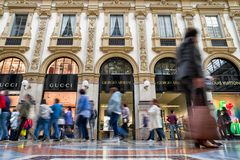 Comperando a Milano, l'Italia Fotografia Stock