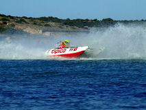 Competência de barco do poder de Thundercat - Team Malta Foto de Stock