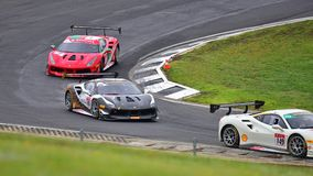 A competência de carros do desafio de Ferrari 488 em Ferrari desafia a série de Asia Pacific compete Fotos de Stock Royalty Free