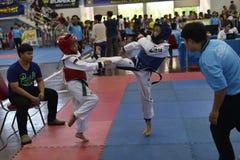 Competencia de Junior Taekwondo imagenes de archivo