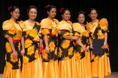 Competencia de la danza de Tinikling - filipino de Busán Imagenes de archivo