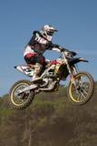 Competencia del motocrós Liga catalana de la raza del motocrós Foto de archivo