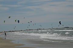 Competencia del windsurf en el Camargue Imagen de archivo libre de regalías