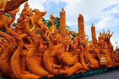 Competencia tallada velas del sitio del festival en Tailandia imagen de archivo libre de regalías