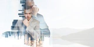 Competencia y estrategia en negocio Técnicas mixtas Foto de archivo