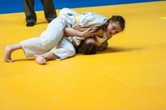 Competencias del judo entre las muchachas, Orenburg, Rusia Imágenes de archivo libres de regalías