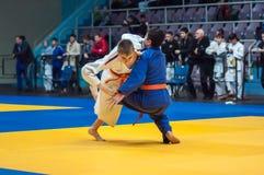 Competencias del judo entre muchachos Imagenes de archivo