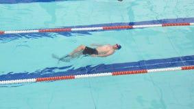 Competição da natação foto de stock