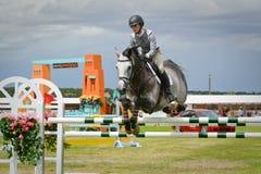 Competição de salto do cavalo de HIPICO Fotos de Stock Royalty Free