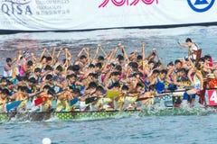 Competição do barco do dragão foto de stock royalty free