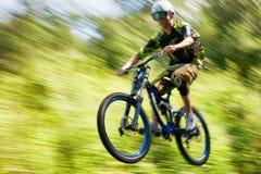 Competição extrema da bicicleta de montanha Fotografia de Stock Royalty Free