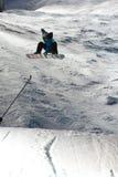Competição Nocturnal do salto do Snowboard imagens de stock royalty free