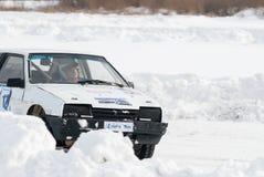 Competições do gelo dos esportes em carros Fotografia de Stock