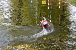 Competições do slalom de Кayak imagem de stock royalty free