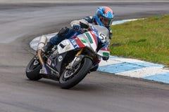 Competições na competência da motocicleta do anel foto de stock royalty free