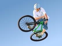Competições no salto da sujeira. Imagens de Stock Royalty Free