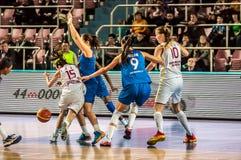 Competiam do basquetebol das meninas, Imagem de Stock Royalty Free