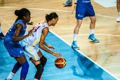 Competiam do basquetebol das meninas; Foto de Stock