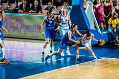 Competiam do basquetebol das meninas; Imagens de Stock Royalty Free