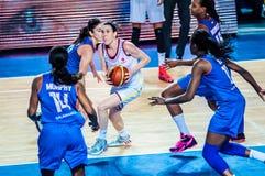 Competiam do basquetebol das meninas; Imagem de Stock Royalty Free