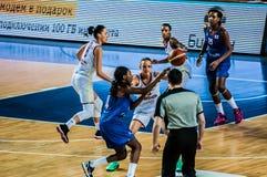 Competiam do basquetebol das meninas; Imagem de Stock