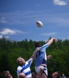 Competiam do rugby em New Hampshire central fotos de stock
