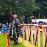 Competiam jousting medieval anual no palácio de Linlithgow, Escócia fotos de stock royalty free