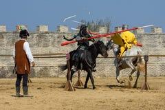Competiam medieval dos cavaleiros da Transilvânia em Romênia imagens de stock royalty free