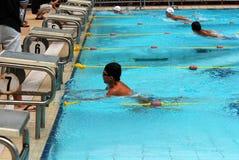 Competición de la natación Imágenes de archivo libres de regalías
